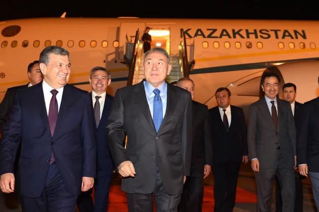 Нурсултан Назарбаев прибыл в Узбекистан