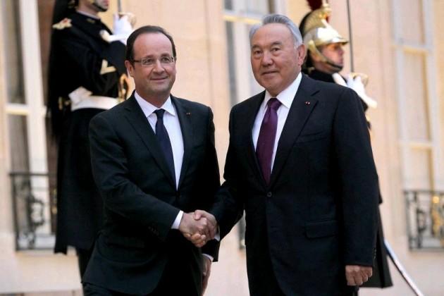 Олланд пожелал Назарбаеву успехов в модернизации страны