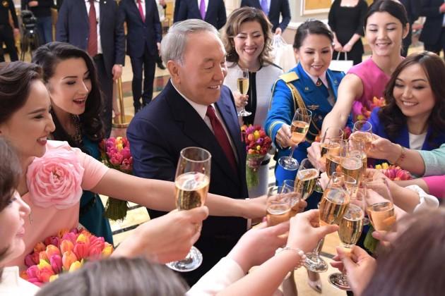 Президент предложил создать антологию современных женщин