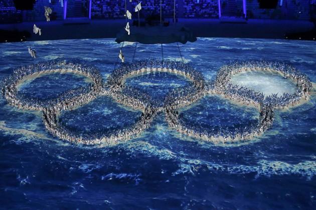 В Сочи погас Олимпийский огонь