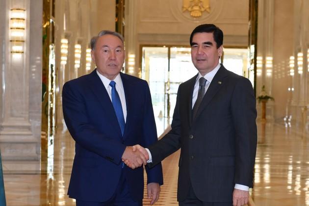 Нурсултан Назарбаев провел переговоры сГурбангулы Бердымухамедовым