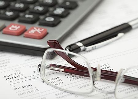 Даму: Анализ структуры выданных кредитов по отраслям