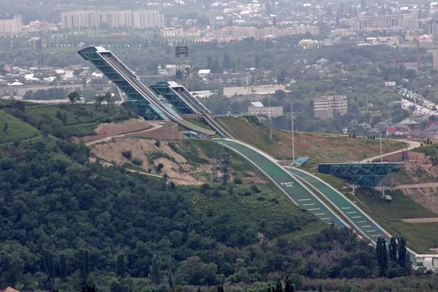 В Алматы ко Дню Победы открылись 3 новых лыжных трамплина