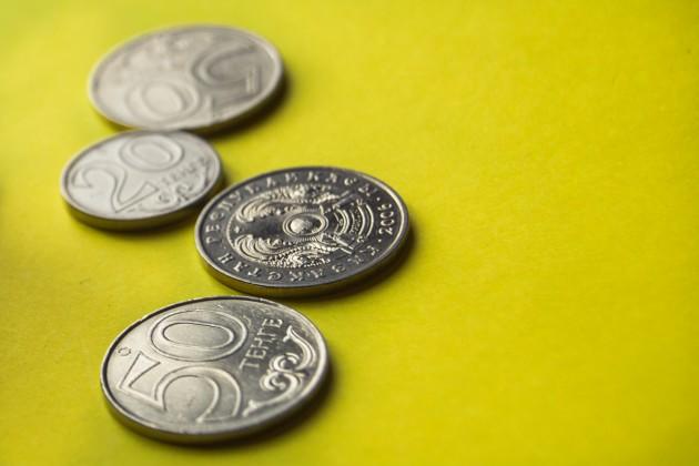 Торги закрылись на отметке 388,1 тенге за доллар