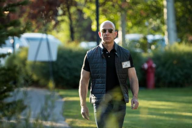 Глава Amazon остался богатейшим человеком планеты