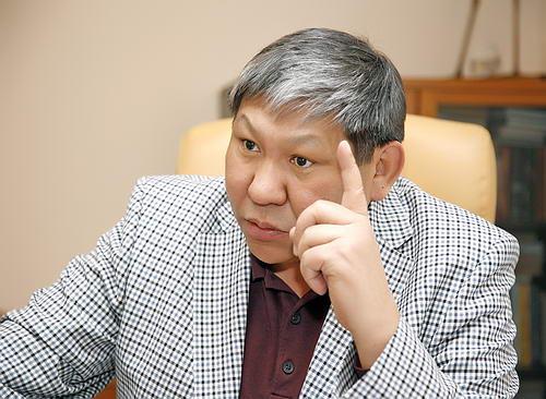 Режиссер Талгат Теменов стал лауреатом международной премии имени Чингиза Айтматова