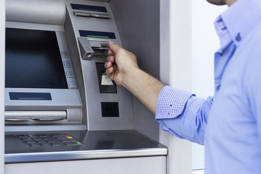 Сколько банкоматов у каждого банка в Казахстане