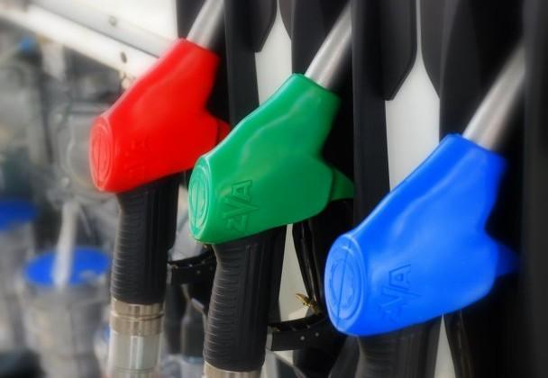 На заправках Алматы подорожал бензин