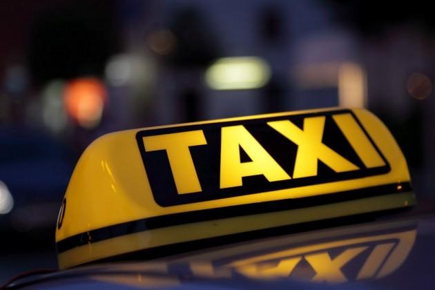 Нелегальных таксистов выведут «изтени»