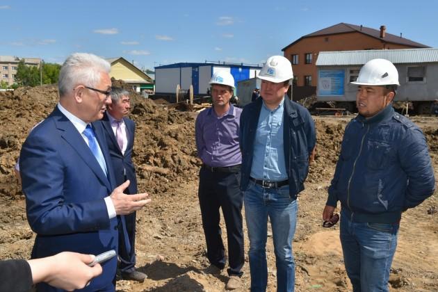 Ерик Султанов раскритиковал работу  строителей