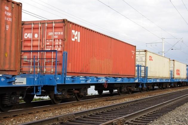 Казахстан увеличил перевозки грузов на 4%
