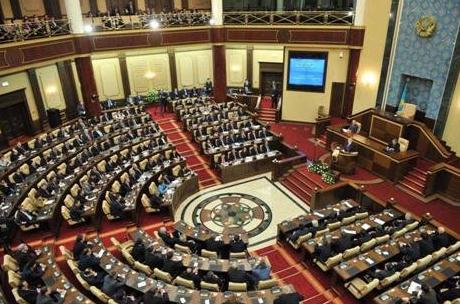 Первая вКазахстане женщина-генерал стала сенатором