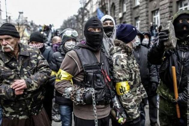 Правый сектор устроил штурм Верховного суда Украины