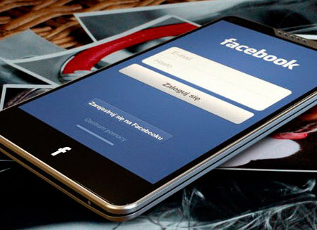 Facebook–смартфон оказался убыточным
