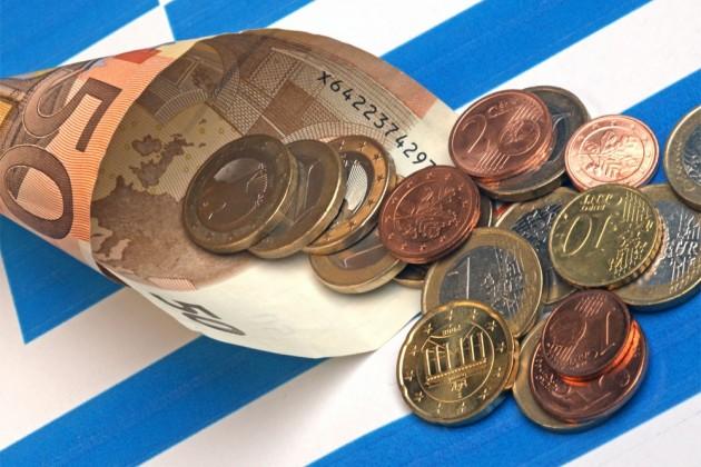 Парламент Греции проголосовал зановые меры экономии