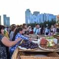 Южноказахстанцы угощали гостей ЭКСПО фруктами инациональными напитками