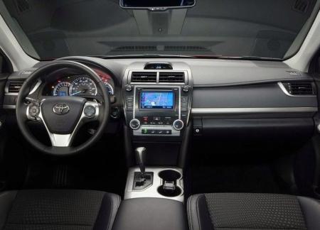 Toyota прислушалась к критике и улучшила интерьер Camry