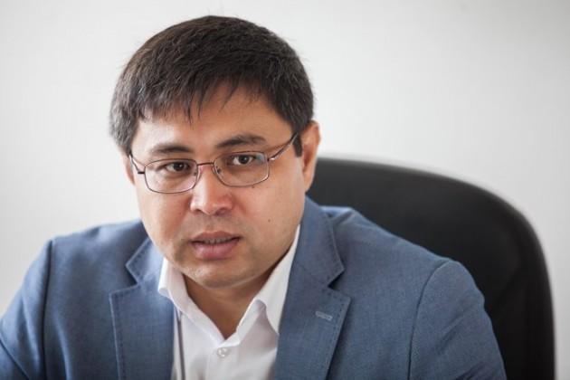 Как дома выше Аль-Фараби влияют на воздухообмен в Алматы