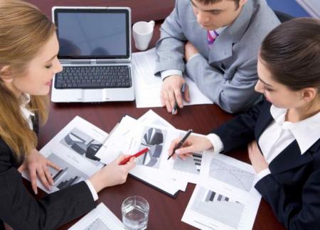 Бизнесменам помогут консультанты