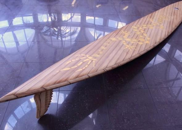 Выпущена самая дорогая в мире доска для серфинга
