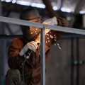 Зарплаты работников промсферы выросли за год на 10%