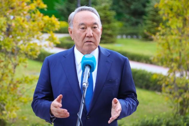 Президент Казахстана принимает поздравительные телеграммы