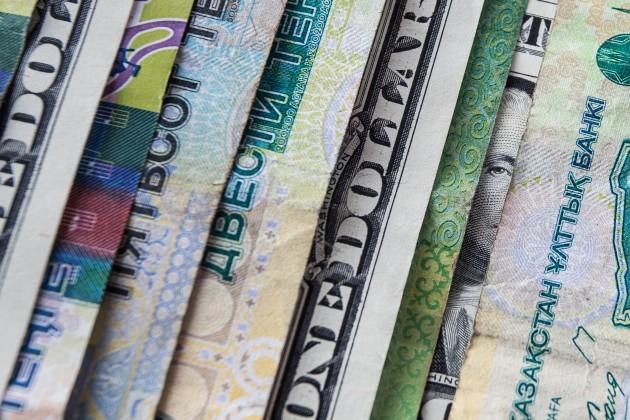Доллар на KASE окреп почти на 2 тенге