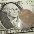 В некоторых обменниках Алматы курс доллара установлен на отметке 302 тенге
