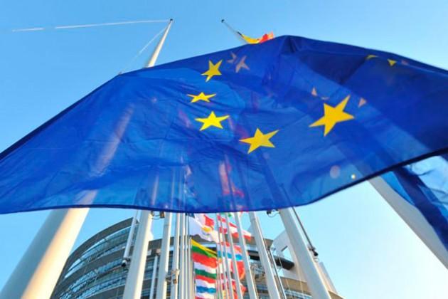ЕС расширил санкции против россиян и украинцев