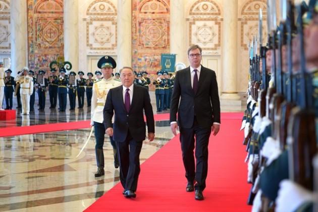 Нурсултан Назарбаев принял главу Сербии вАкорде