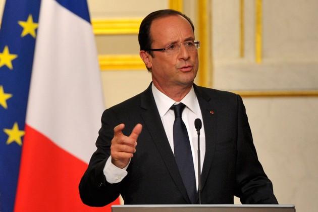 Франсуа Олланд заявил о чрезвычайном положении в экономике Франции