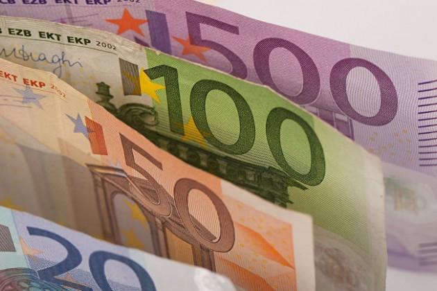 Воктябре казахстанцы купили евро на33,6млрд тенге