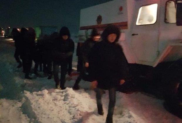 С трассы Усть-Каменогорск - Алматы эвакуировано свыше 300 человек