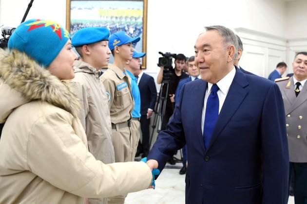 Президент призвал казахстанцев ктолерантности иединству