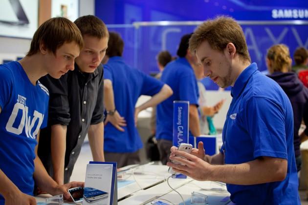 Samsung запустит программу ежегодного обмена смартфонов