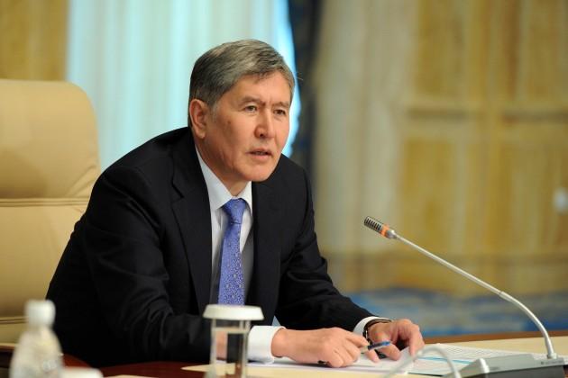 В Москву на лечение прилетел президент Кыргызстана