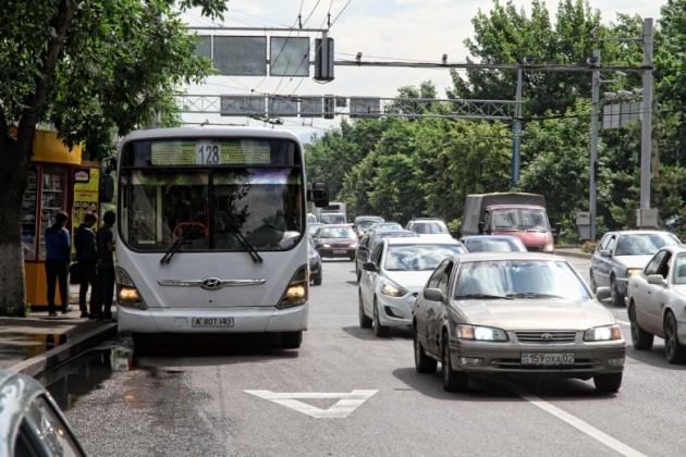 С 15 июня в Алматы введут полосу для автобусов