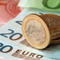 За месяц евро укрепился на 3,6%