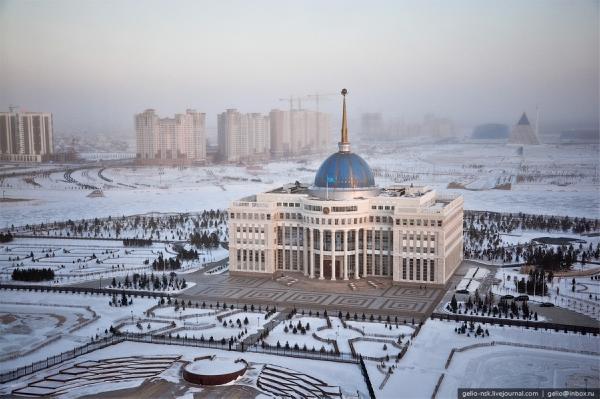 Кто поздравил Казахстан спредстоящим Днем независимости