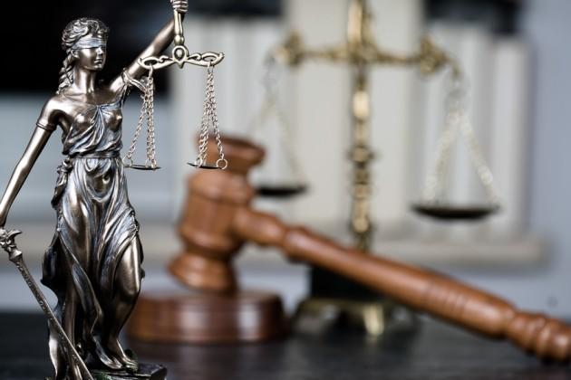 Президент подписал Закон обадвокатской деятельности