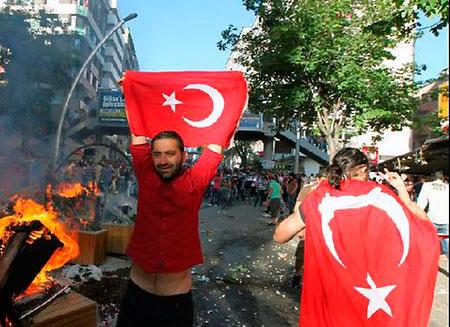 В Турции на митингах участвовали 2,5 млн. человек