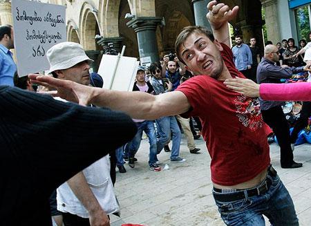 Гей-парад в Тбилиси закончился беспорядками
