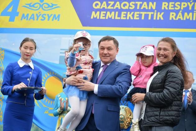 Квартиры получили многодетные семьи и дети-сироты в Кокшетау