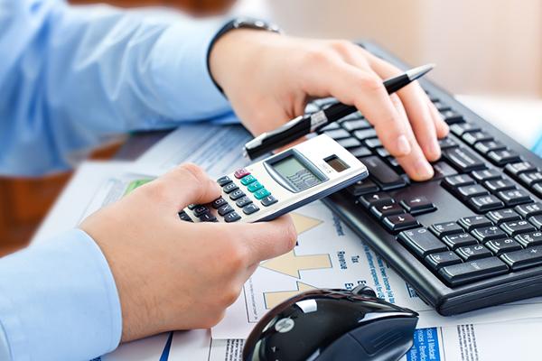 Самые богатые люди всреднем недоплачивают по30% налогов