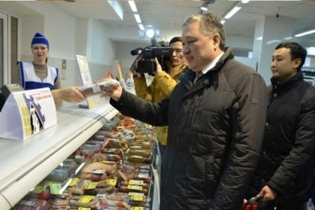 Аким Карагандинской области из экономии обедает дома