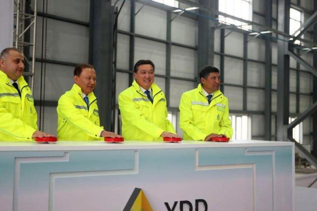 Аскар Мамин принял участие в открытии ферросплавного завода