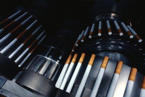 Лицензии на продажу табака снизят прибыль компаний на 30%