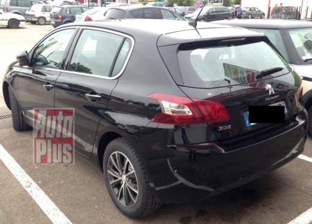 Peugeot 308 открылся «живьем»