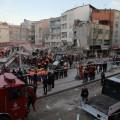 Возросло число жертв обрушения дома в Стамбуле