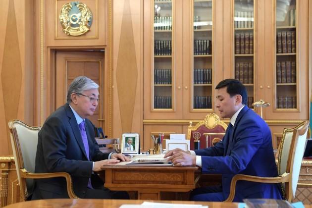 Президент поручил акиму столицы изучить ситуацию по LRT